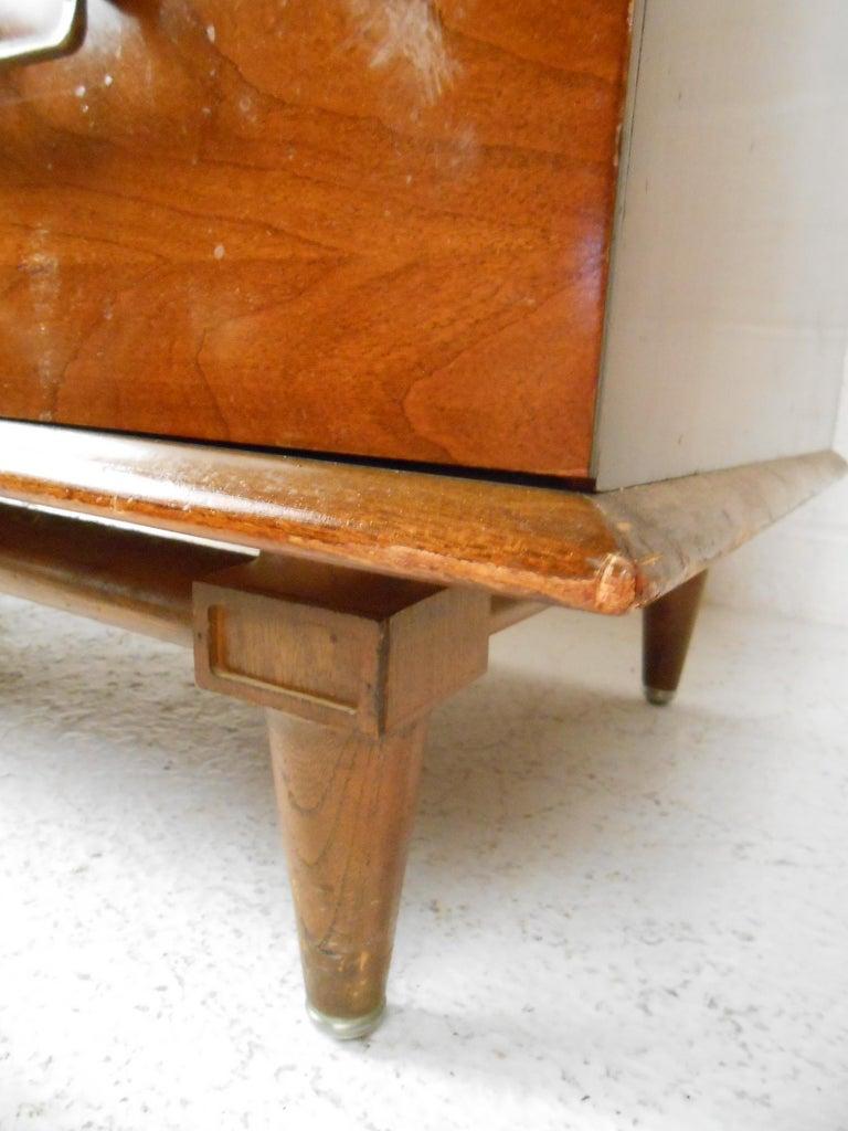 Mid-Century Modern Highboy Dresser by Mengel Furniture Co. For Sale 8