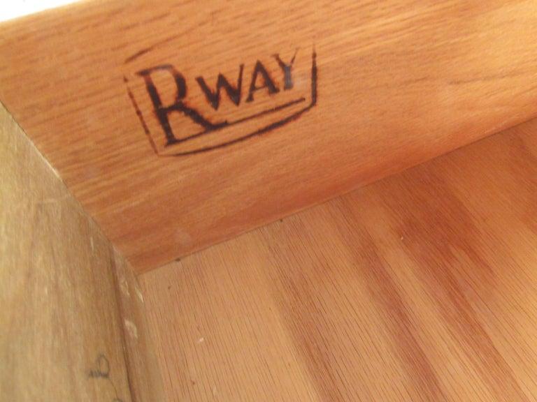 Mid-Century Modern Highboy Dresser by R-Way For Sale 4