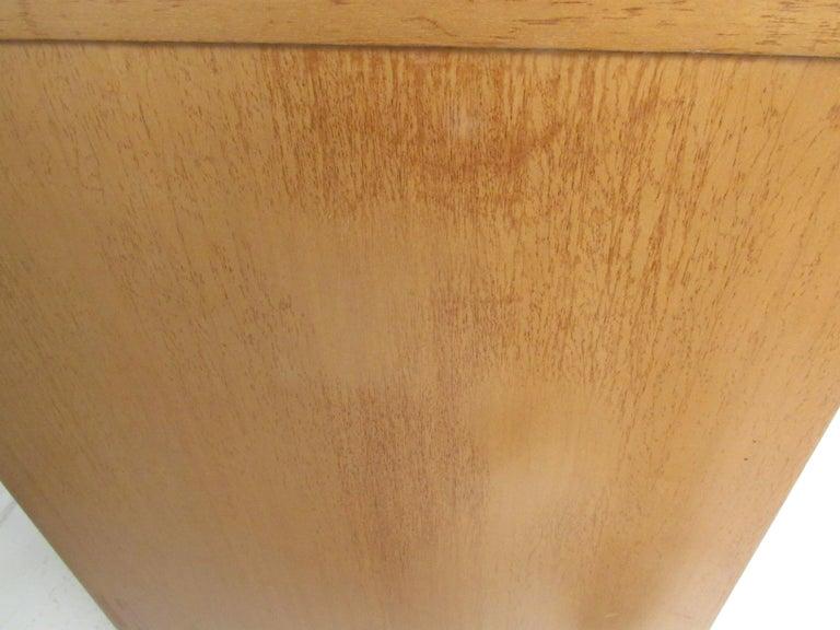 Mid-Century Modern Highboy Dresser by R-Way For Sale 8