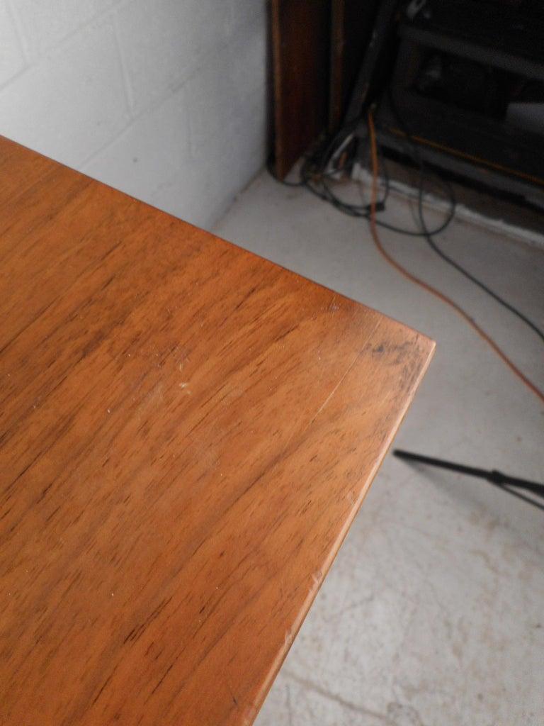 Mid-Century Modern Highboy Dresser For Sale 2