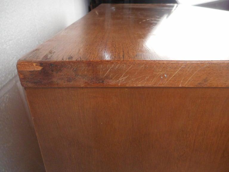 Mid-Century Modern Highboy Dresser For Sale 3