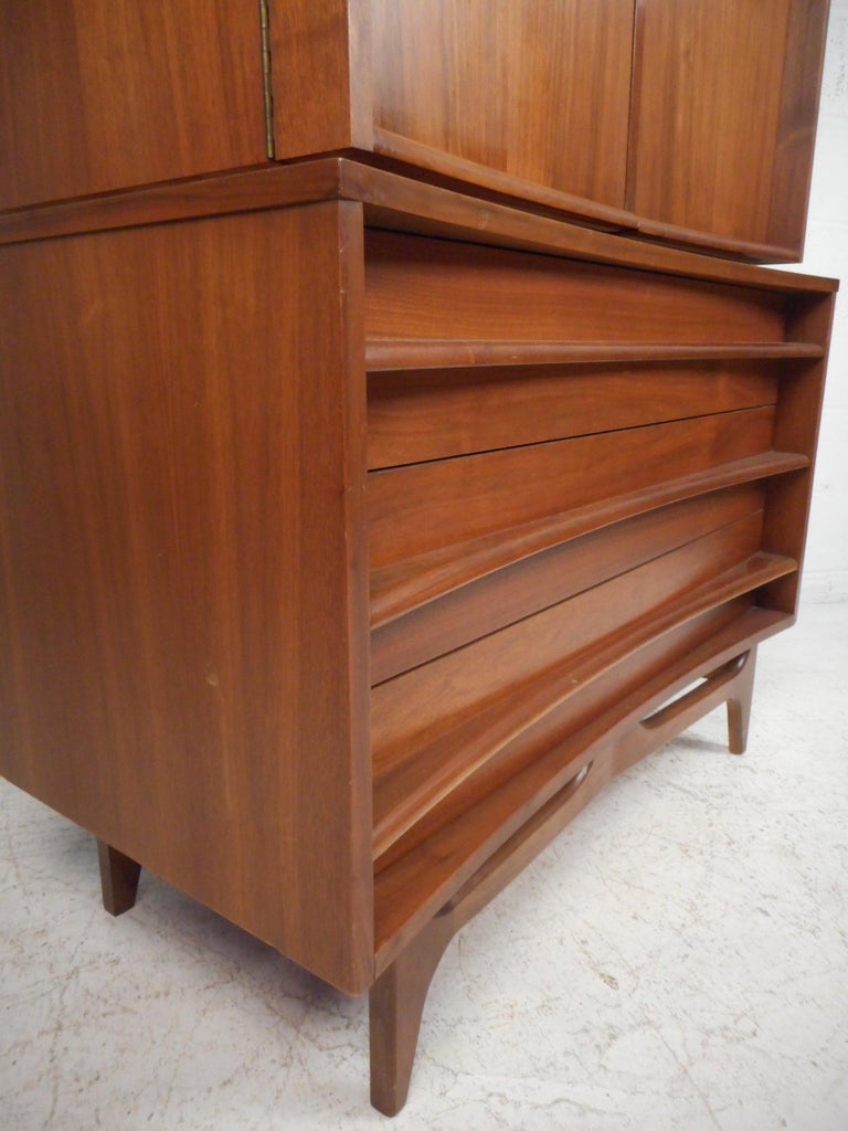 20th Century Mid-Century Modern Highboy Dresser with Curved Drawer-Fronts