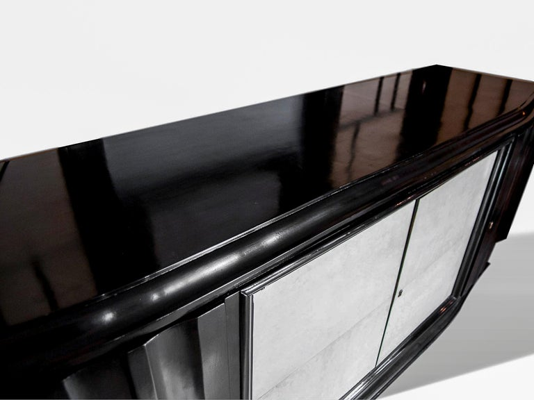 Mid-Century Modern Hollywood Regency Art Deco Black Lacquered Sideboard In Good Condition For Sale In Banner Elk, NC