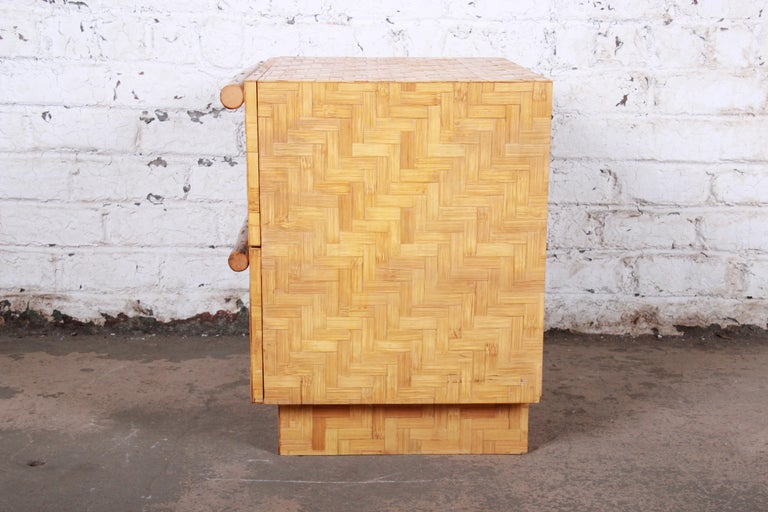 Mid-Century Modern Hollywood Regency Chinoiserie Bamboo Parquetry Nightstand For Sale 8
