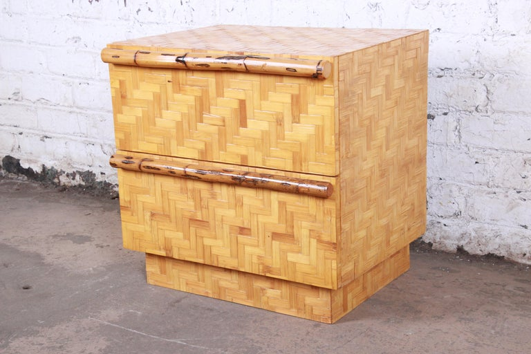 Mid-Century Modern Hollywood Regency Chinoiserie Bamboo Parquetry Nightstand For Sale 1