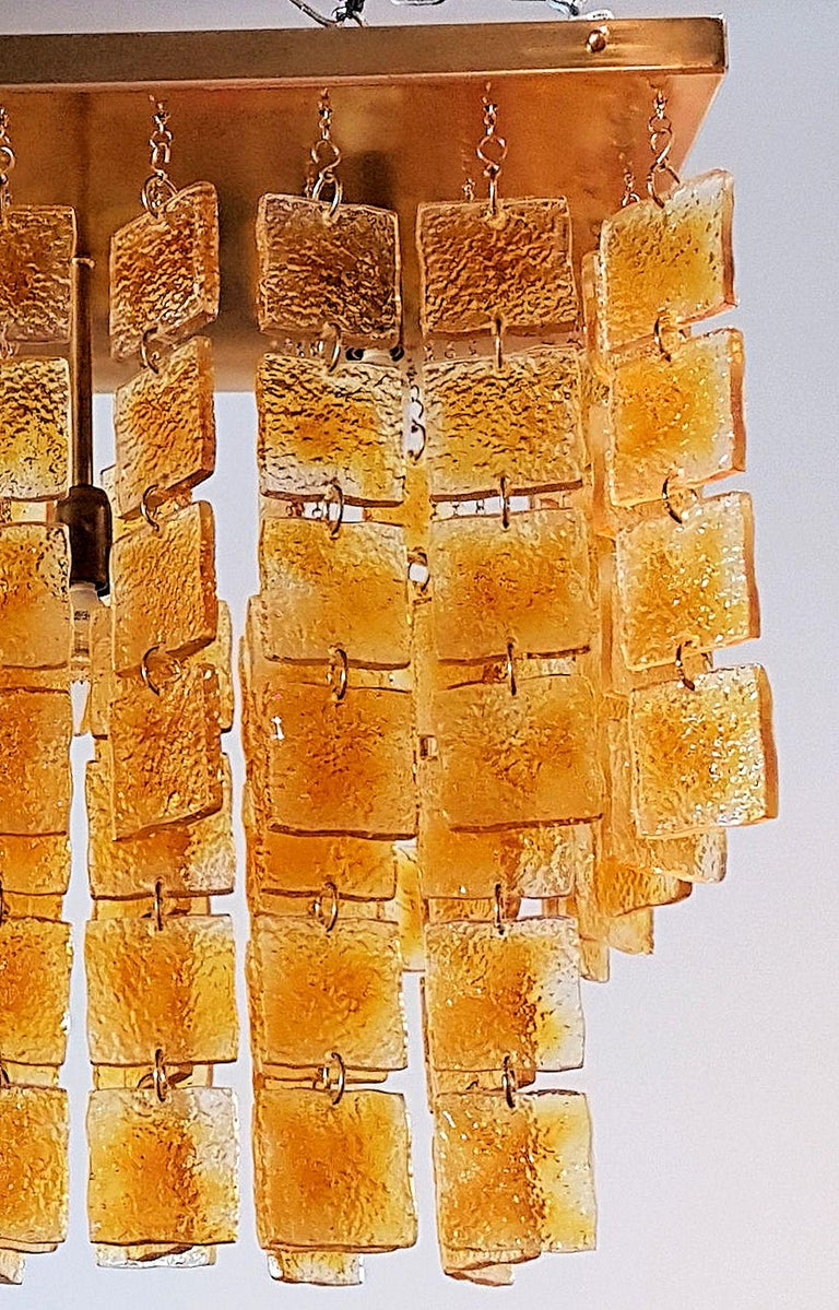 Late 20th Century Mid-Century Modern Honey & Brass Murano Glass Flush Mount Light, Sciolari Style For Sale