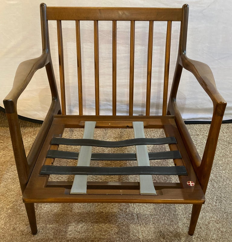 Mid-Century Modern Ib Kofod Larson Selig Arm Lounge Chairs, Pair, Danish Label In Good Condition For Sale In Stamford, CT
