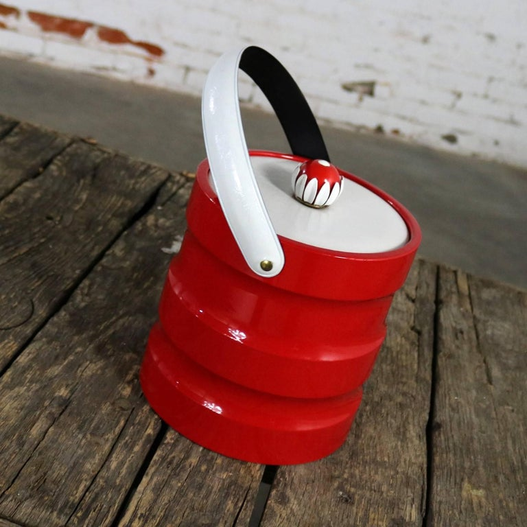 Faux Leather Mid-Century Modern Ice Bucket Red Faux Patent Leather White Plastic & Daisy Knob For Sale