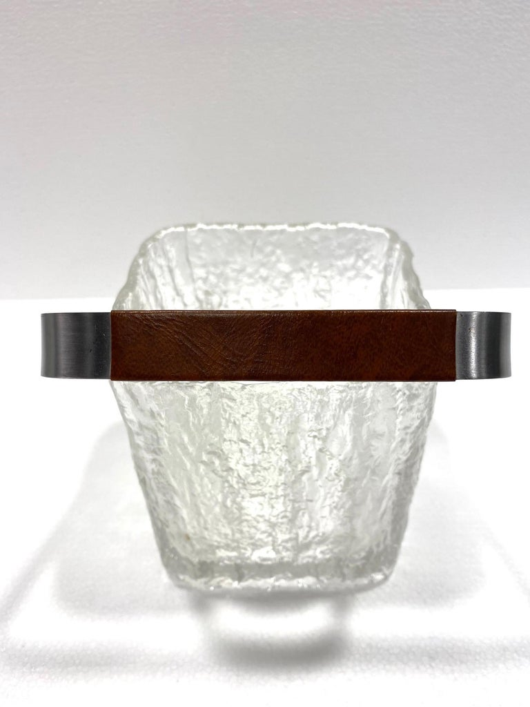 Mid-Century Modern Ice Bucket with Textured Ice Glass, Japan, circa 1960s For Sale 3