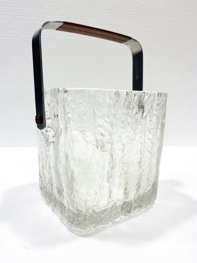 Japanese Mid-Century Modern Ice Bucket with Textured Ice Glass, Japan, circa 1960s For Sale