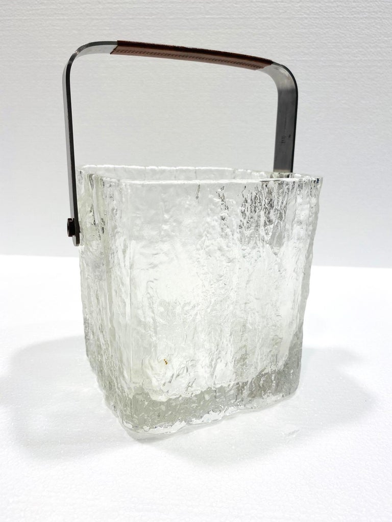 Mid-Century Modern Ice Bucket with Textured Ice Glass, Japan, circa 1960s For Sale 2
