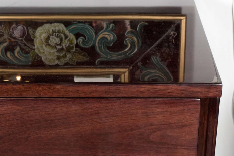 Mid-Century Modern Illuminating Bookmatched Walnut and Brass Bar Cabinet In Excellent Condition For Sale In New York, NY