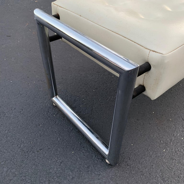 Mid-Century Modern Industrial Chrome Bench with Original White Vinyl Upholstery For Sale 9