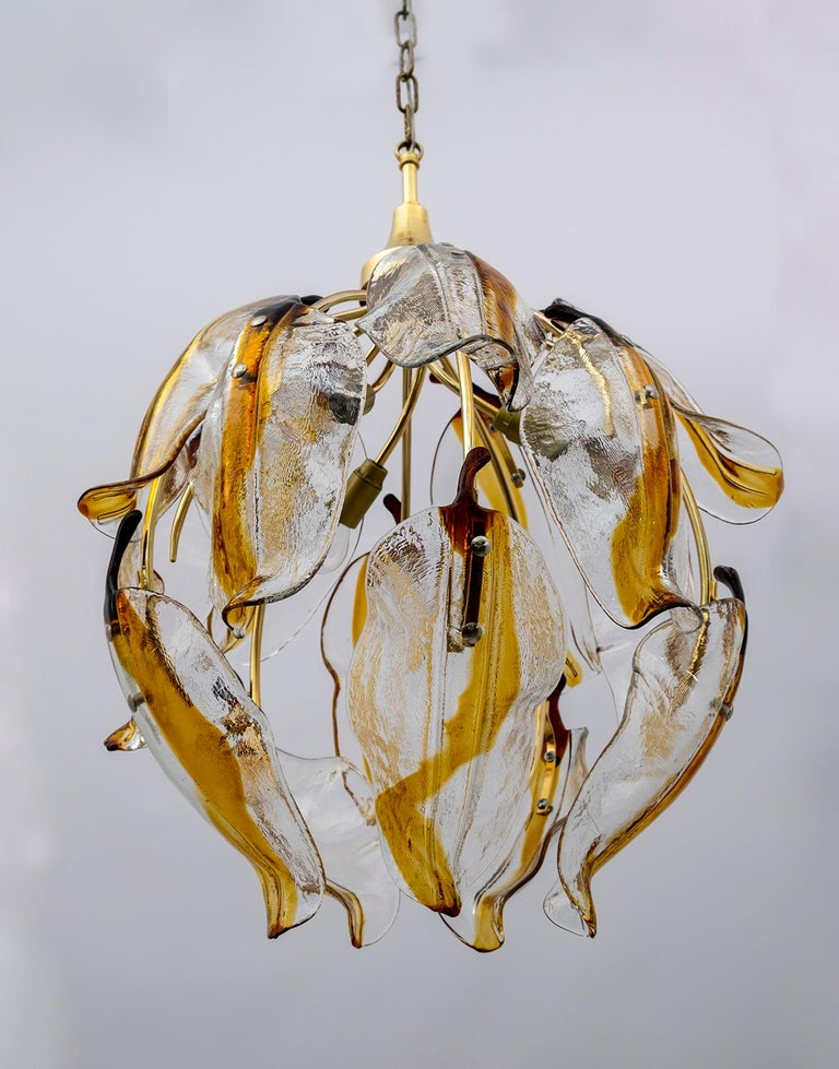 Mid-Century Modern Italian Amber Murano Glass and Brass Chandelier, 1970s For Sale 2