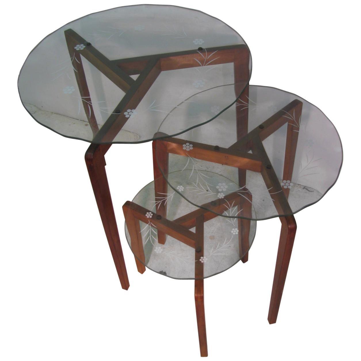 Mid-Century Modern Italian Art Glass Nesting Tables 3