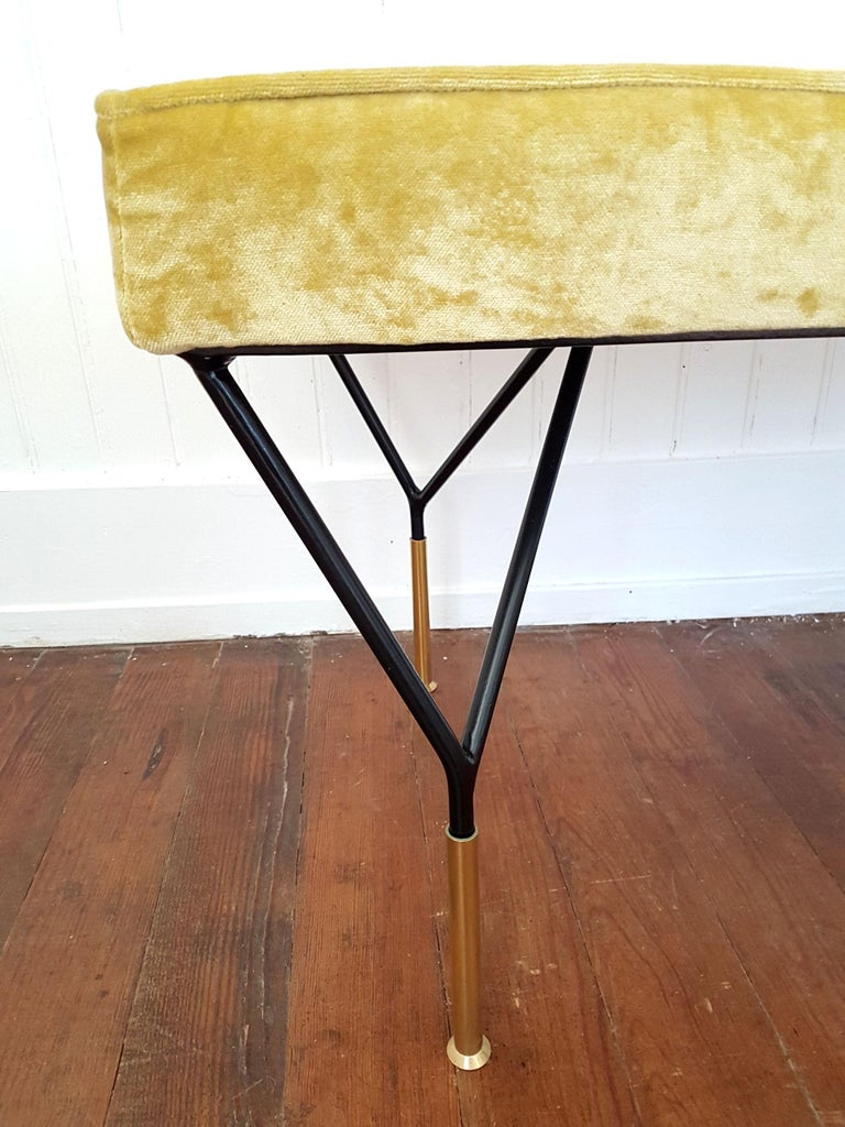 Mid-Century Modern Italian Bench, Reupholstered with Yellow Velvet, circa 1980s For Sale 1