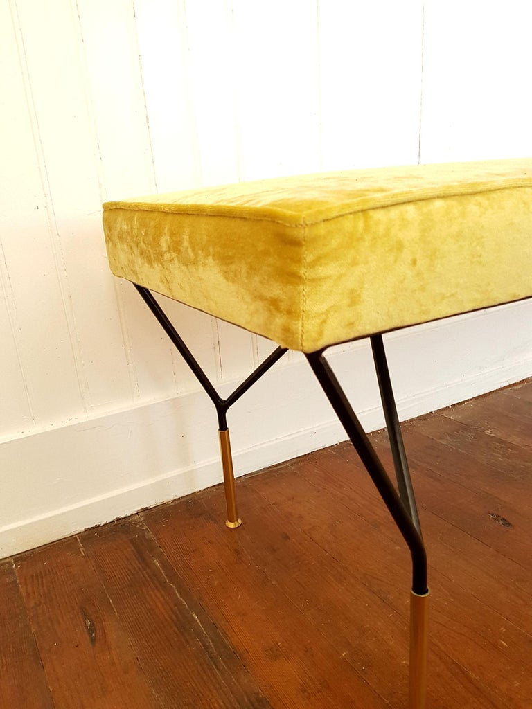 Mid-Century Modern Italian Bench, Reupholstered with Yellow Velvet, circa 1980s For Sale 2