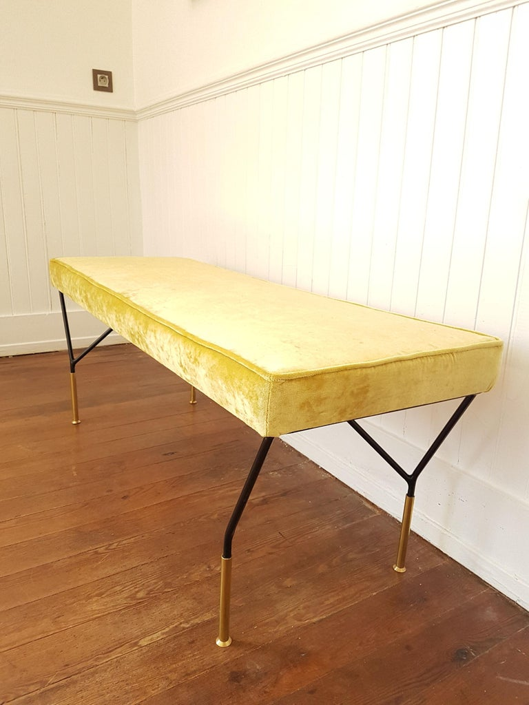 Mid-Century Modern Italian Bench, Reupholstered with Yellow Velvet, circa 1980s For Sale 3