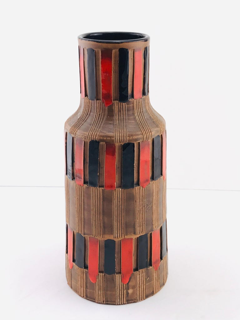Mid-Century Modern Italian Bitossi Red and Black Ceramic Vase, 1960 For Sale 6
