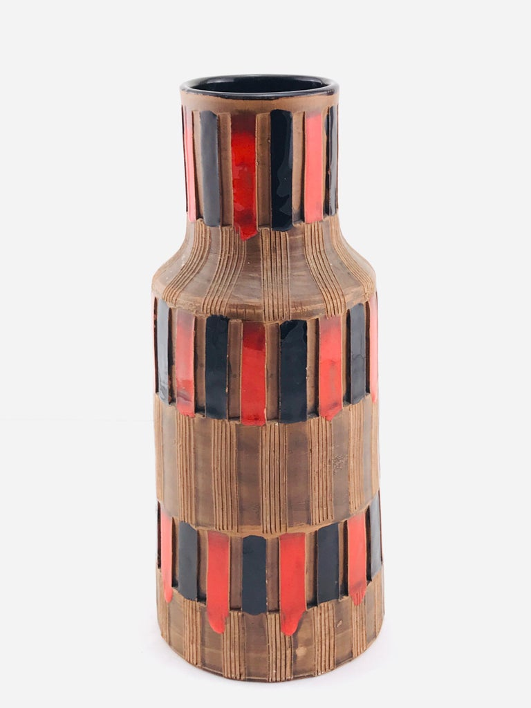 Mid-Century Modern Italian Bitossi Red and Black Ceramic Vase, 1960 For Sale 7