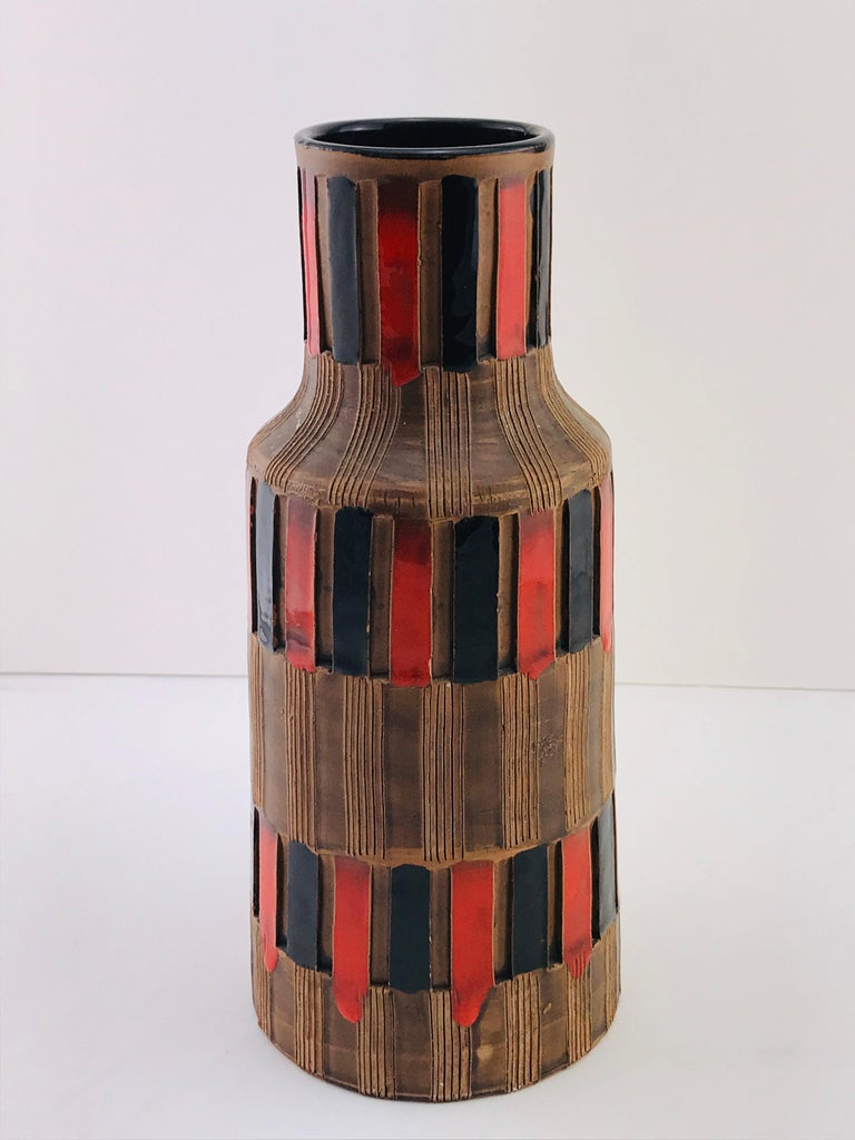 Mid-Century Modern Italian Bitossi Red and Black Ceramic Vase, 1960 For Sale 8
