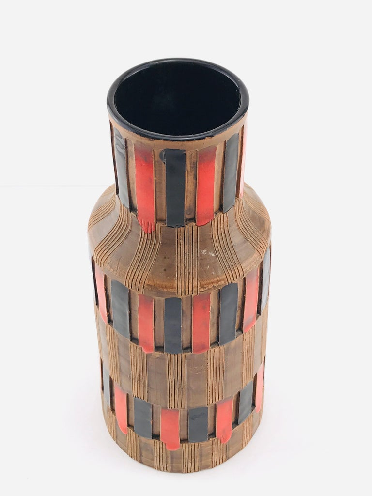 Mid-Century Modern Italian Bitossi Red and Black Ceramic Vase, 1960 For Sale 9