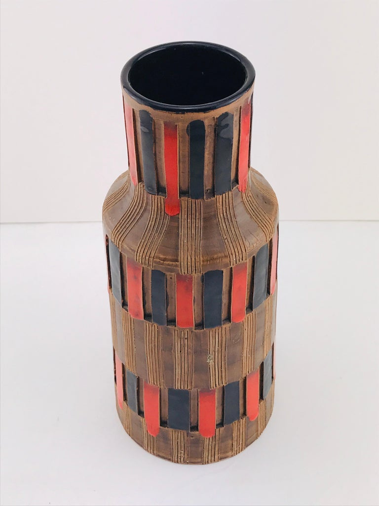 Mid-Century Modern Italian Bitossi Red and Black Ceramic Vase, 1960 For Sale 12