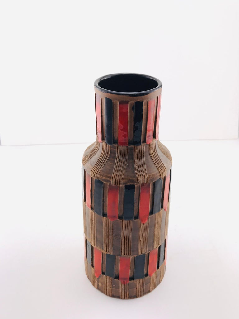 Mid-Century Modern Italian Bitossi Red and Black Ceramic Vase, 1960 For Sale 2