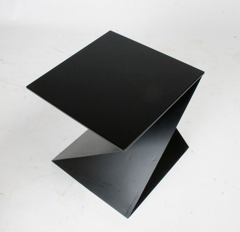 Mid-Century Modern Italian Black Painted Cubist or Origami Side Table In Good Condition For Sale In St. Louis, MO