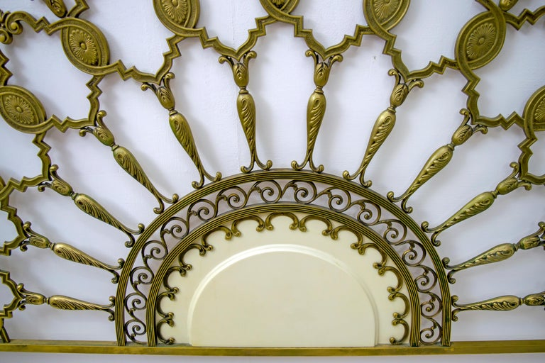 Mid-Century Modern Italian Brass Bed, 1960s For Sale 1