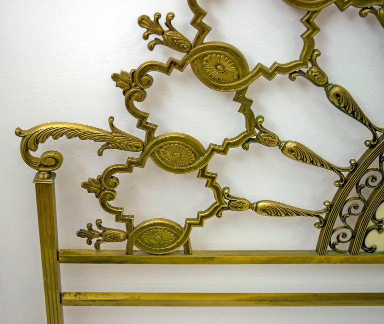 Mid-Century Modern Italian Brass Bed, 1960s For Sale 3