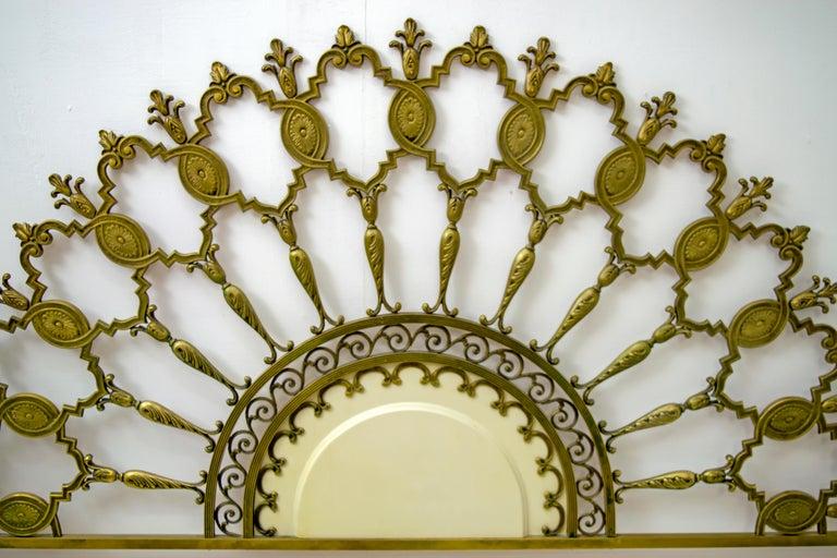 Mid-Century Modern Italian Brass Bed, 1960s For Sale 4