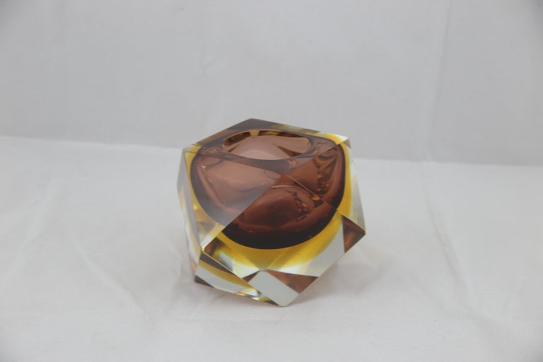 Mid-Century Modern Italian Brown Yellow and Clear Murano Glass Ashtray, 1960s In Excellent Condition For Sale In Byron Bay, NSW