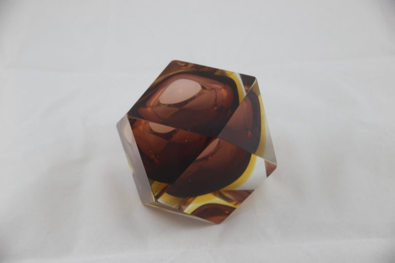 Mid-Century Modern Italian Brown Yellow and Clear Murano Glass Ashtray, 1960s For Sale 1