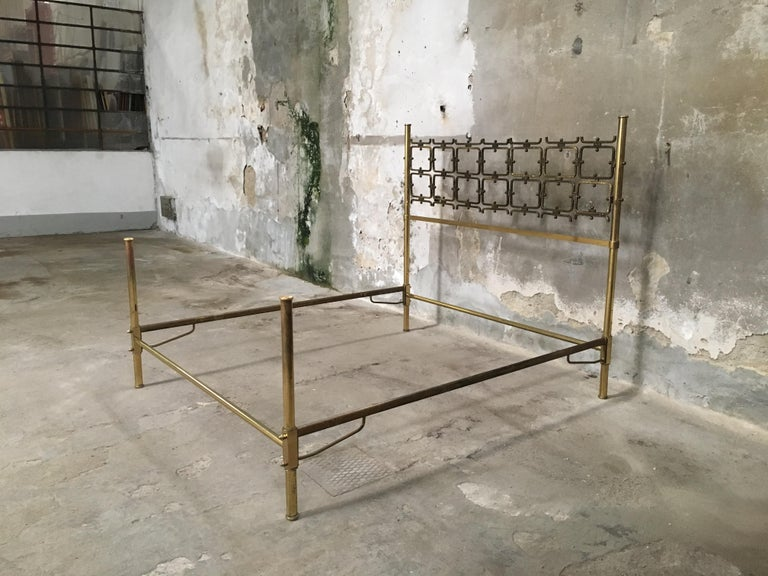 Mid-20th Century Mid-Century Modern Italian Burnished Brass Double Bed by Pomodoro and Borsani For Sale