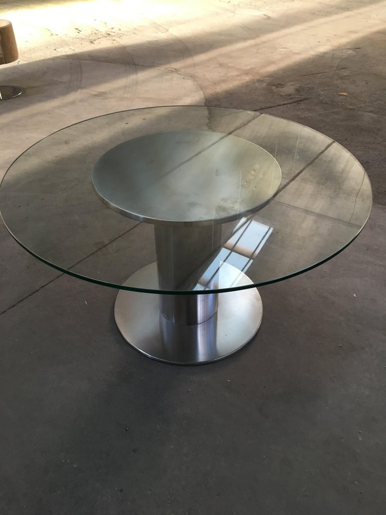 Mid-Century Modern Italian Chrome Based Dining or Side Table with Round Glass In Good Condition For Sale In Prato, IT