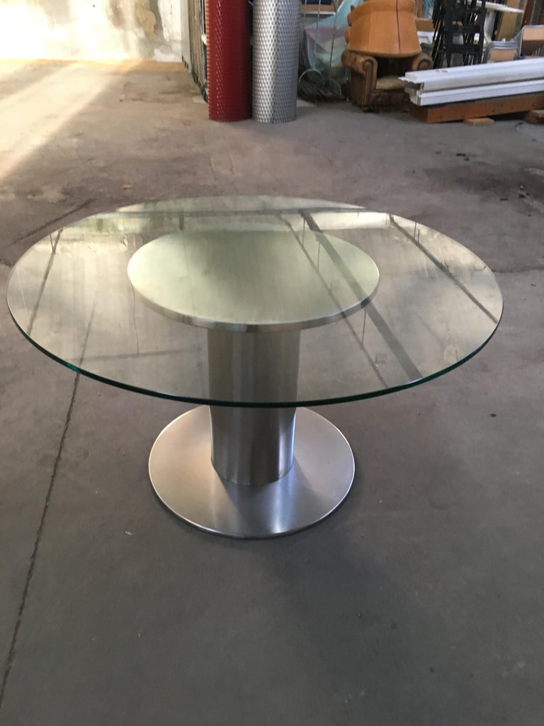 Mid-Century Modern Italian Chrome Based Dining or Side Table with Round Glass For Sale 3