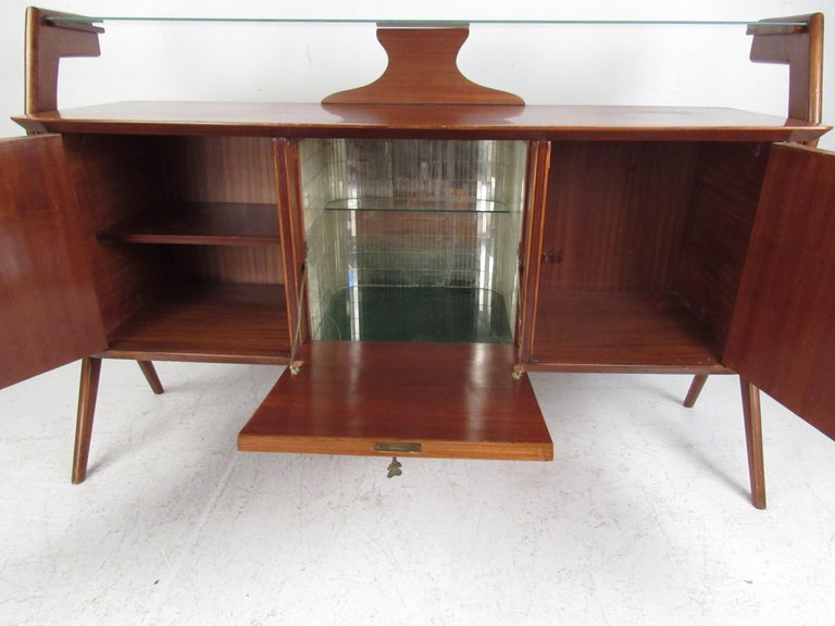Mid-Century Modern Italian Credenza In Fair Condition For Sale In Brooklyn, NY