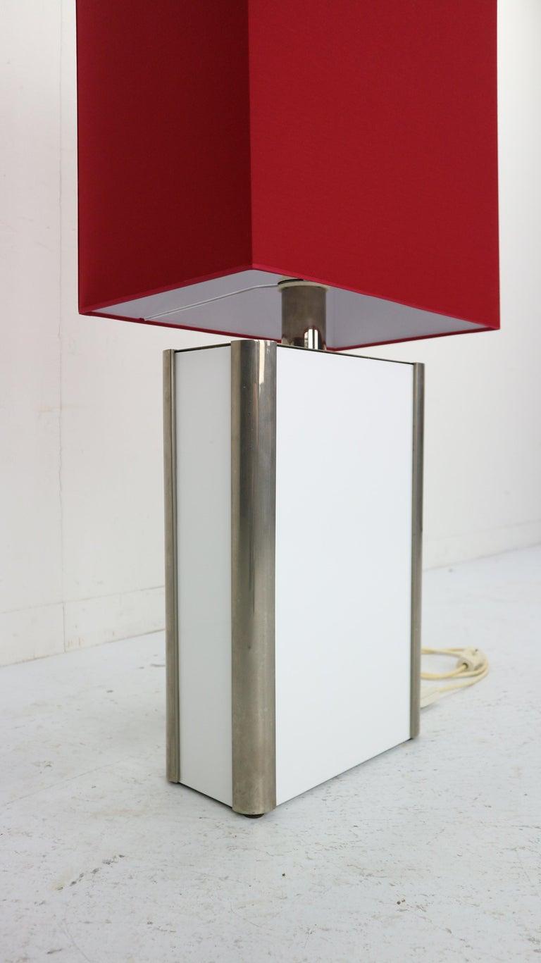 Metal Mid-Century Modern Italian Design Floor Lamp, 1970s For Sale