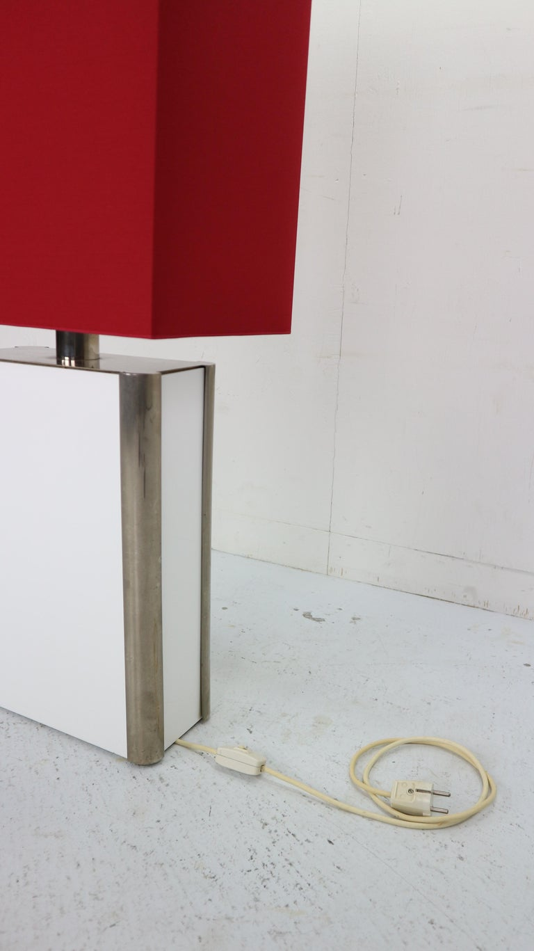 Mid-Century Modern Italian Design Floor Lamp, 1970s For Sale 2