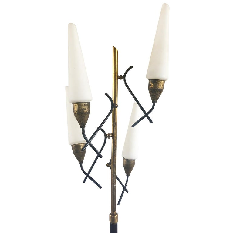Mid-Century Modern Italian Floor Lamp In Good Condition For Sale In West Palm Beach, FL
