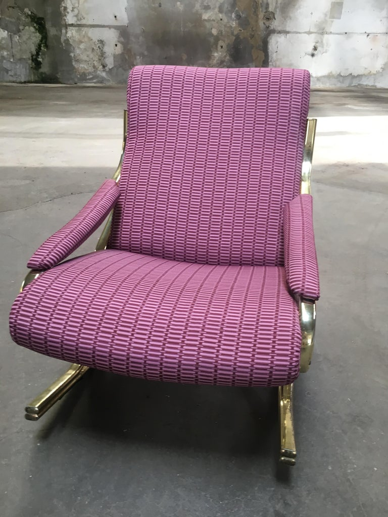 Mid-Century Modern Italian Gilt Metal Upholstered Rocking Chair, 1970s For Sale 5