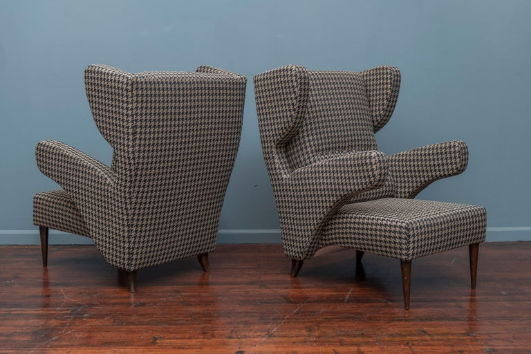 Mid-Century Modern Italian Large Lounge Chairs For Sale 1