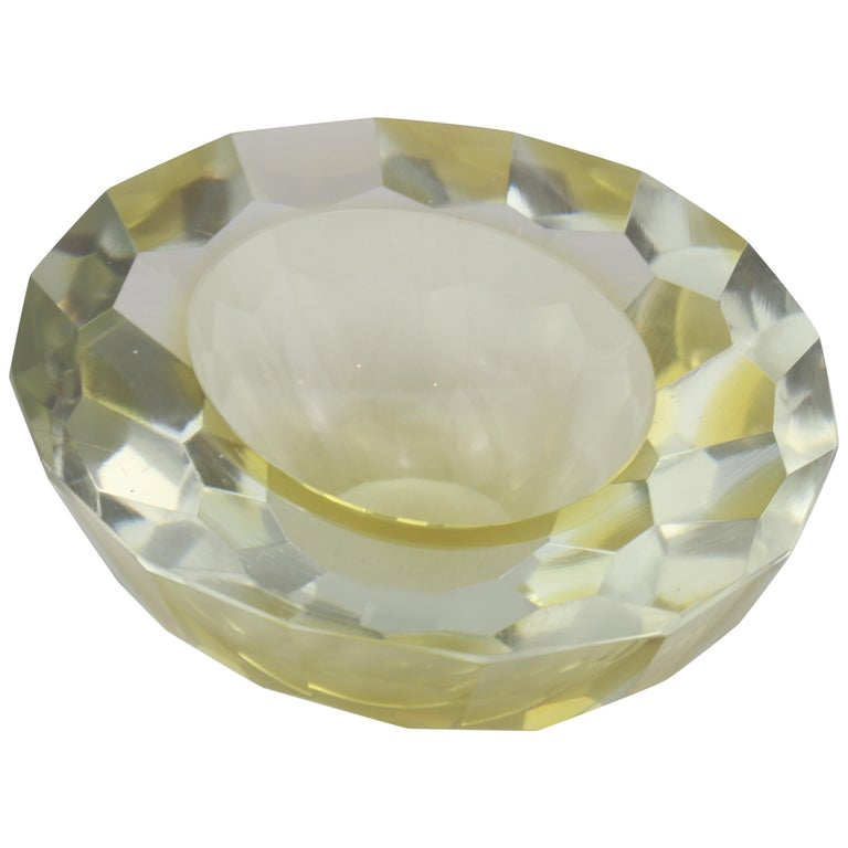 Mid-Century Modern Italian Murano Glass Round yellow and Clear Ashtray, 1970s For Sale