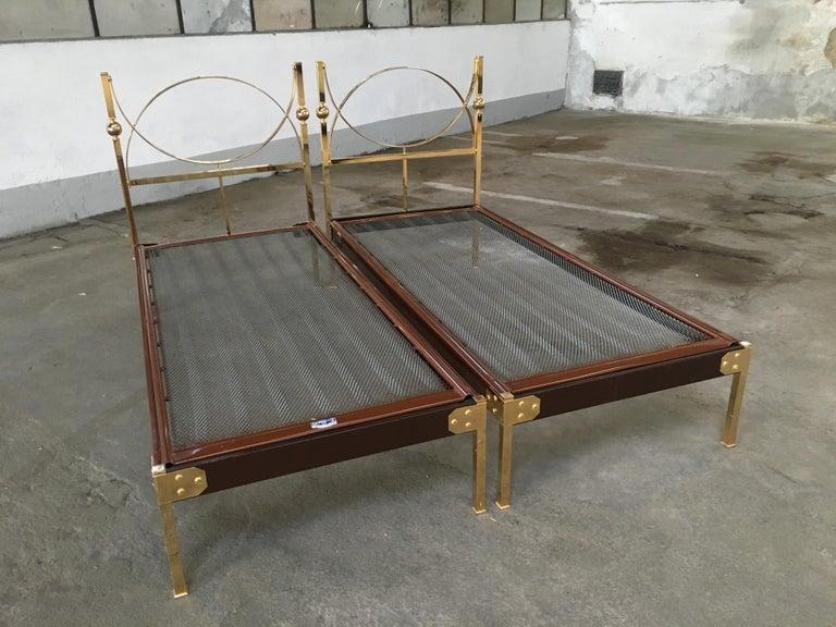Mid-20th Century Mid-Century Modern Italian Pair of Single Beds with Gilt Headboard, 1960s