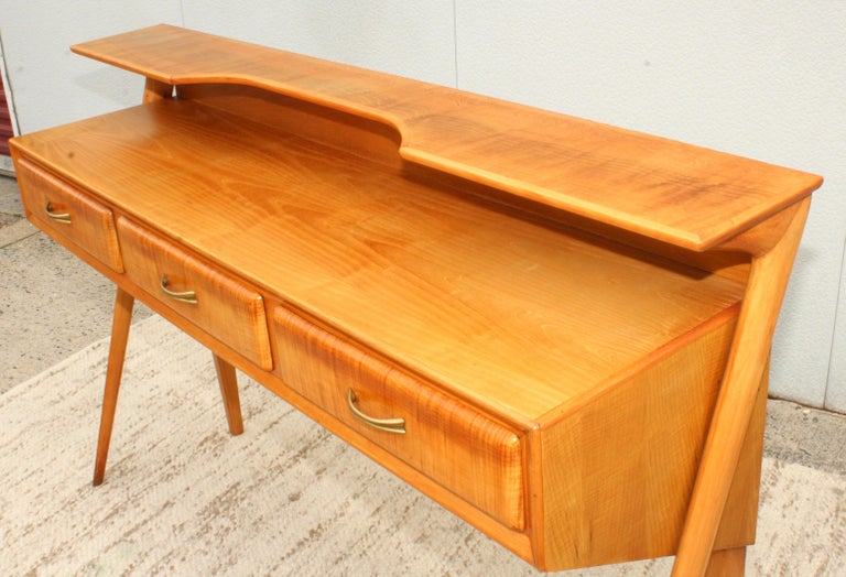 Mid-Century Modern Italian Sculptural Two-Tier Console In Good Condition For Sale In New York City, NY