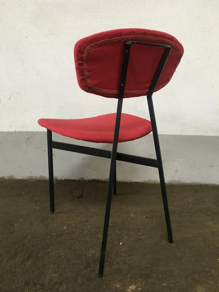 Mid-Century Modern Italian Set of 4 Upholstered Chairs with Black Iron Structure For Sale 4