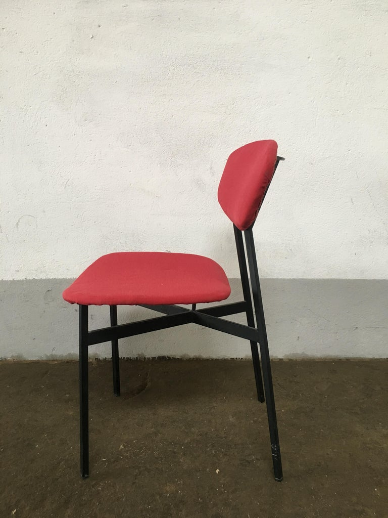 Mid-Century Modern Italian Set of 4 Upholstered Chairs with Black Iron Structure For Sale 3