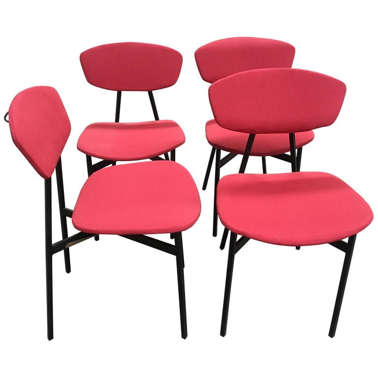 Mid-Century Modern Italian Set of 4 Upholstered Chairs with Black Iron Structure For Sale