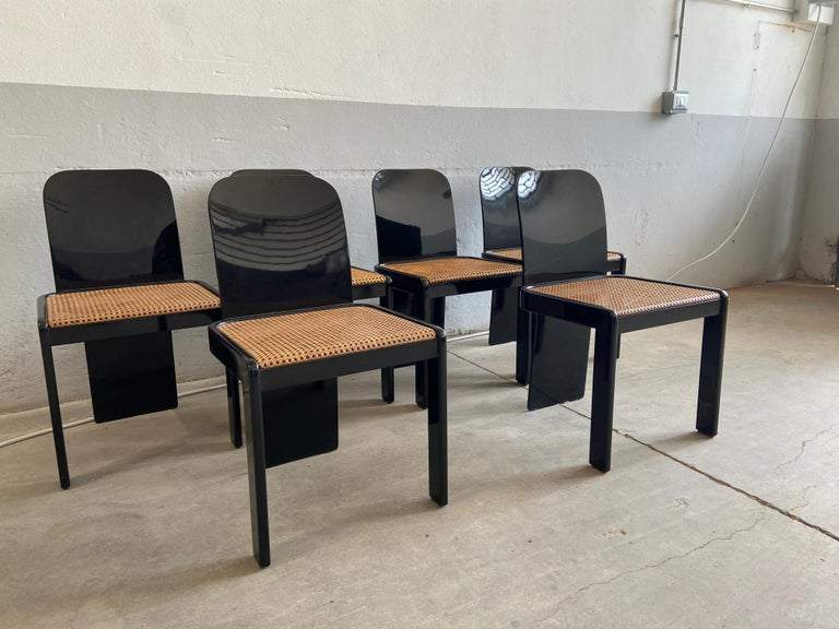 Mid-Century Modern Italian Set of 6 Black Wooden Chairs by Pozzi, 1970s In Good Condition For Sale In Prato, IT